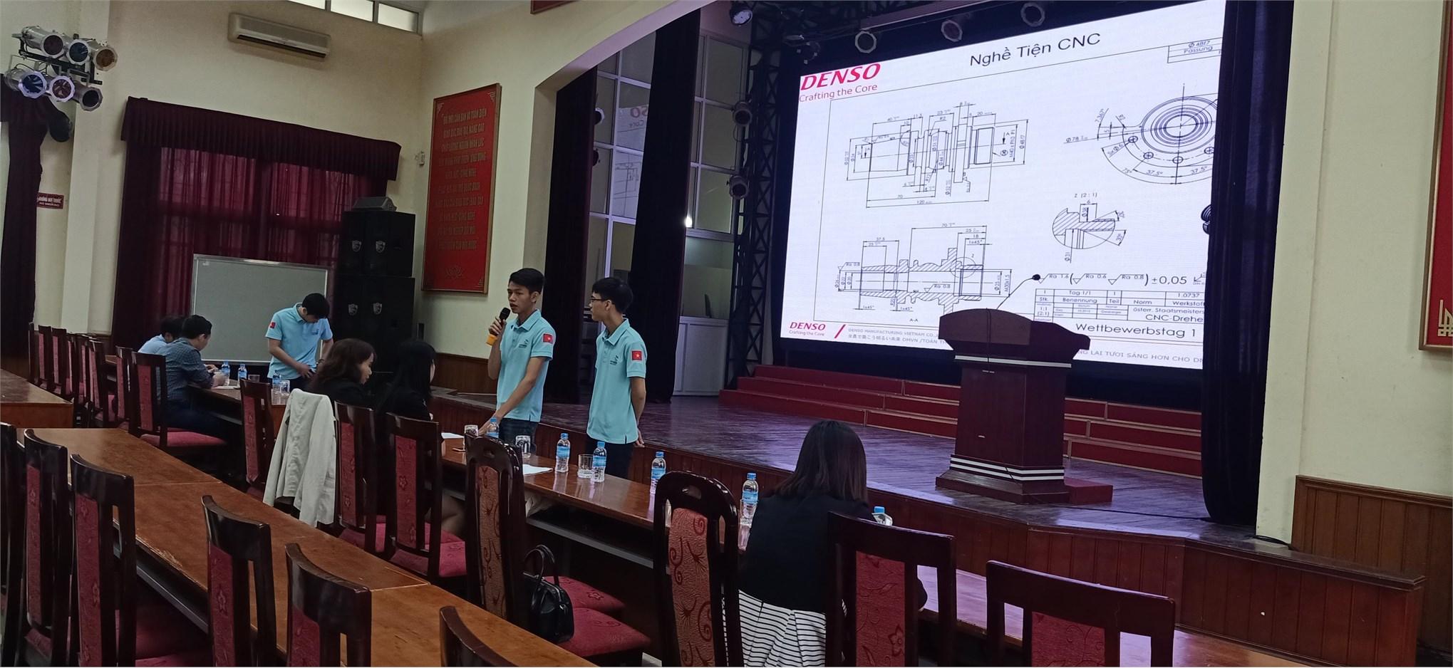 Sinh viên Trung tâm Việt Nhật tham dự Hội thảo giới thiệu hồ sơ tuyển ứng viên thi tay nghề thế giới 2021 do công ty TNHH Denso tổ chức