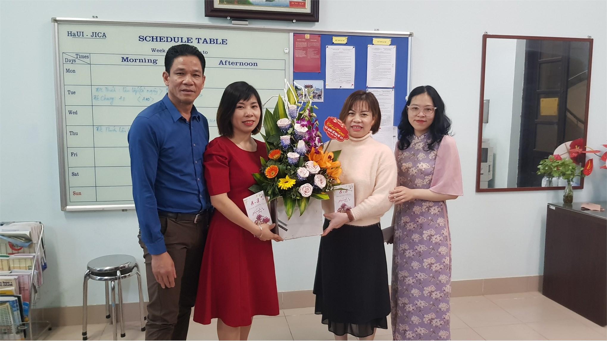 Công đoàn Trung tâm Việt Nhật tôn vinh phái đẹp nhân ngày Quốc tế phụ nữ 8/3