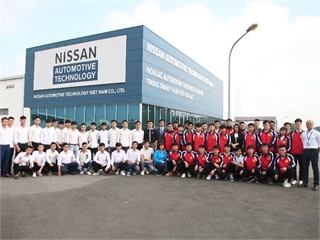 Sinh viên Trung tâm Việt Nhật tham quan trải nghiệm thực tế tại công ty TNHH Nissan Automotive Technology Việt Nam