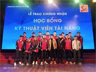 21 sinh viên Trung tâm Việt Nhật được nhận học bổng Kỹ thuật viên tài năng của công ty Samsung Display Việt Nam (SDV)