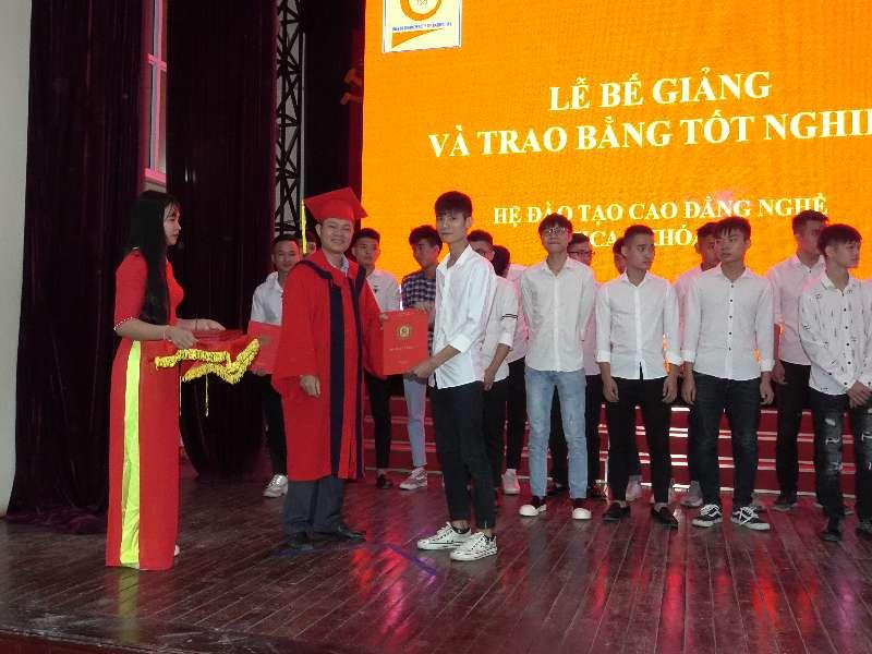 Tổ chức lễ bế giảng và trao bằng tốt nghiệp cho sinh viên Cao đẳng nghề Jica khóa 10