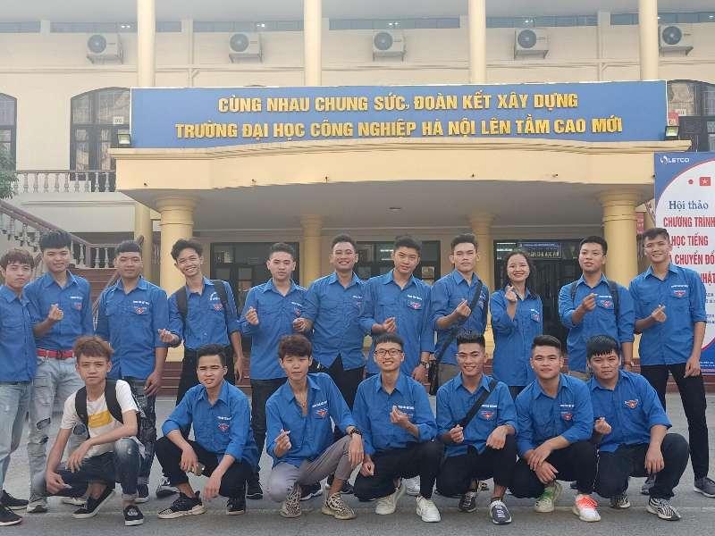 Sinh viên Trung tâm Việt Nhật hào hứng tham gia Ngày hội hiến máu nhân đạo năm 2019