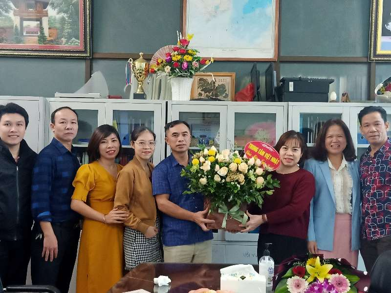 Công đoàn Trung tâm Việt Nhật tôn vinh phái đẹp nhân 90 năm ngày thành lập Hội liên hiệp phụ nữ Việt Nam